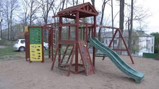 В поселке Артемовский появилась ещё одна новая детская площадка