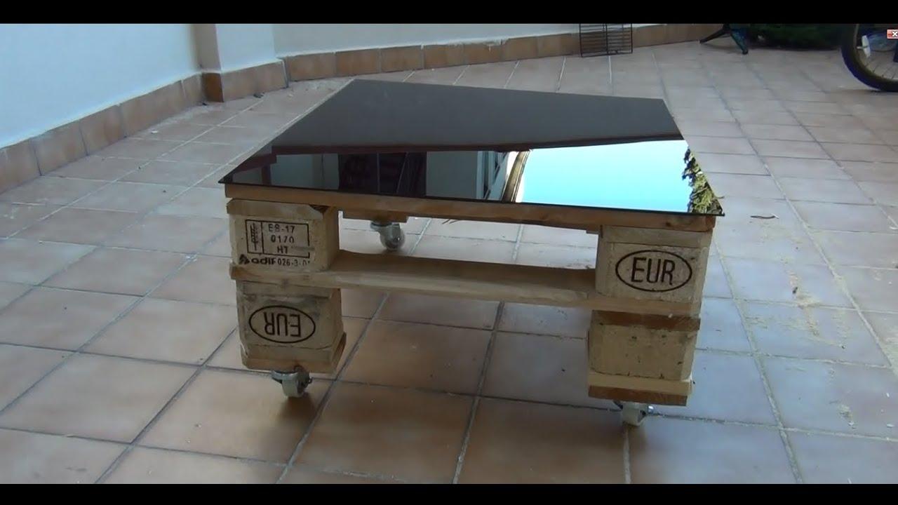 Hacer una mesa con palets con ruedas youtube - Mesas de palets de madera ...
