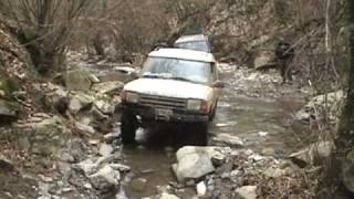 Discovery Vs Land Cruiser 2.wmv