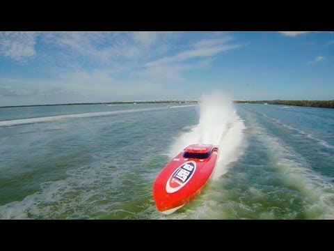 DJI PHANTOM CHASING FLORIDA POWERBOAT CLUB