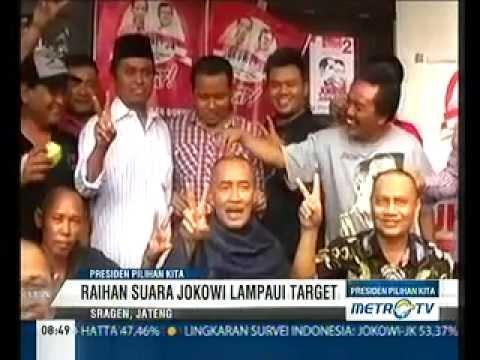 Relawan Jateng Cukur Rambut Atas Kemenangan Jokowi-JK