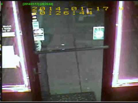 Cops looking for suspect in Astoria wine store robbery