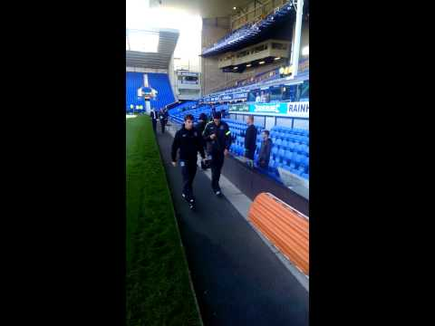 Gareth Barry arrives at Goodison Park
