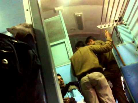 RPF Capture general compartment for money at New Delhi Railway station in the Mahabodhi exp. On 7-12