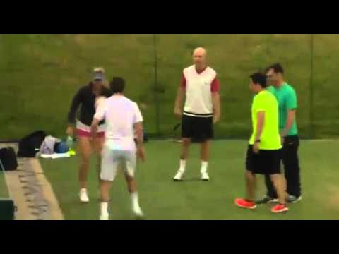 Maria Sharapova shows off her ball juggling skills Soccer