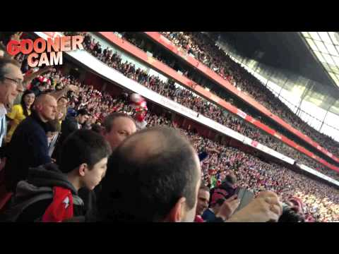 Arsenal 4 Everton 1 - Fans Go Crazy As Arsenal Head To Wembley