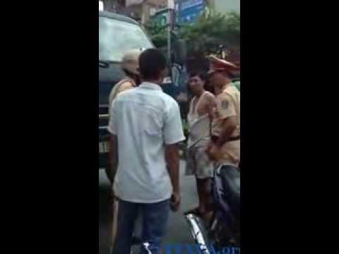 Cảnh sát giao thông đánh người ở Ninh Bình