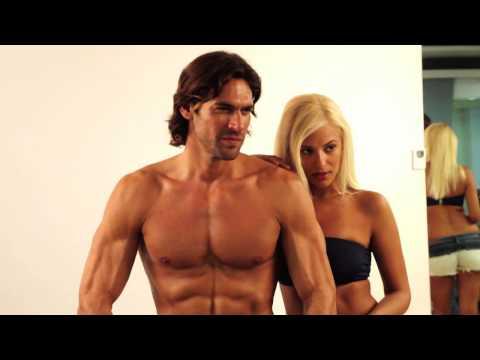 Men's Health Σεπτεμβρίου 2013 - Λάουρα Νάργες - Γιάννης Σπαλιάρας