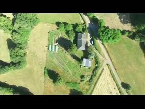 Micro Ferme en Permaculture (drone) - Les Jardins de Pan (Juillet 2016)