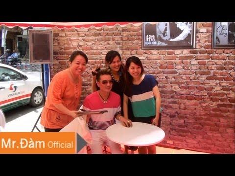 Đàm Vĩnh Hưng ký tên album CD Nhạc Xưa tại Showroom Vua Biển 15.08.2013 [Official]