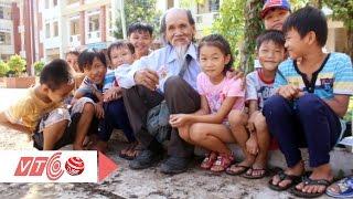 Ông cụ nghèo bán vé số để làm khuyến học | VTC