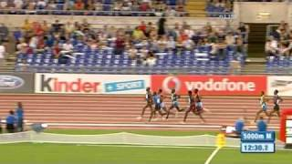 Amazing photo finish to 5000m race - from Universal Sports
