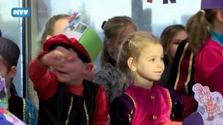 834 Sinterklaas op school