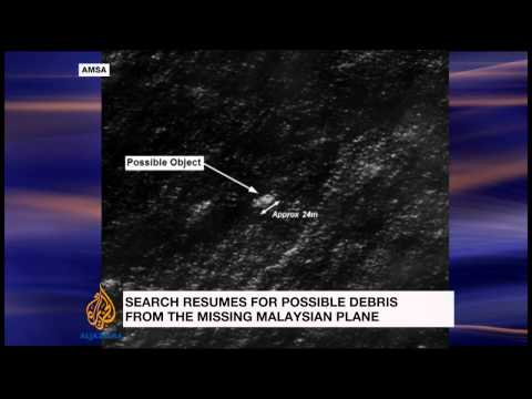 Search for missing Malaysian plane resumes