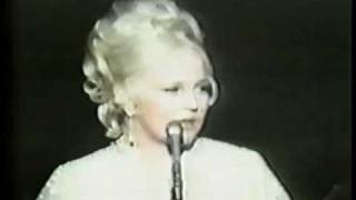 Peggy Lee -- Is That All There Is? 1969 view on youtube.com tube online.
