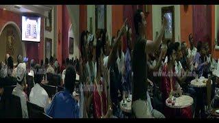 بالفيديو:من قلب مقهى بكازا ... شوفو كيفاش تفاعلات الجماهير المغربية مع فوز المنتخب المغربي على مالي (تصريحات غير مسبوقة ) |