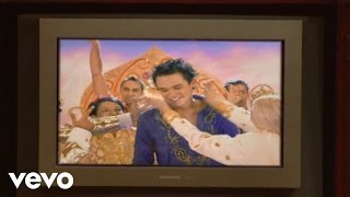 Gareth Gates - Spirit In The Sky (Wiith Special Guests 'The Kumars')