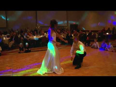 HILARIOUS!  Surprise Wedding First Dance to Flo Rida's