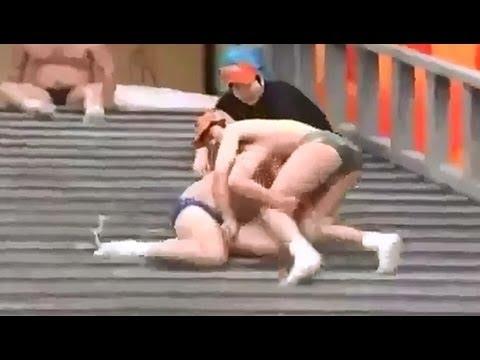 Gameshow Nhật Bản - Bậc thang xà phòng không nhịn được cười =))