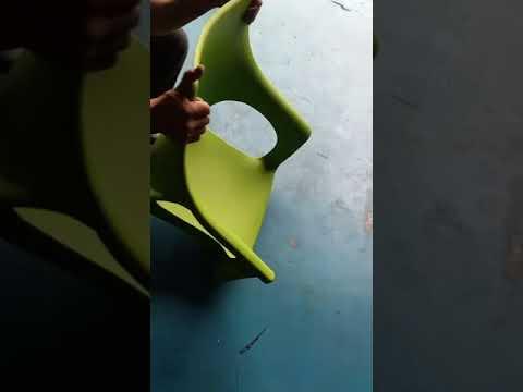 test ghế nhựa chân inox hoàng trung tín