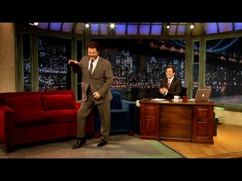 Nick Offerman Break Dances (Late Night with Jimmy Fallon)
