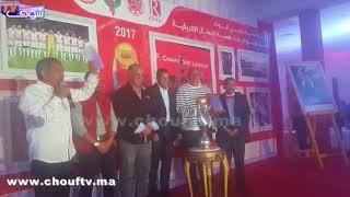 لحظة تكريم الحسين عموتة مدرب فريق الوداد البيضاوي |