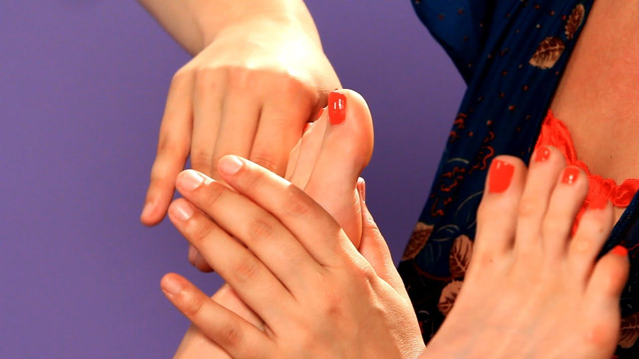 how to become a reflexologist uk