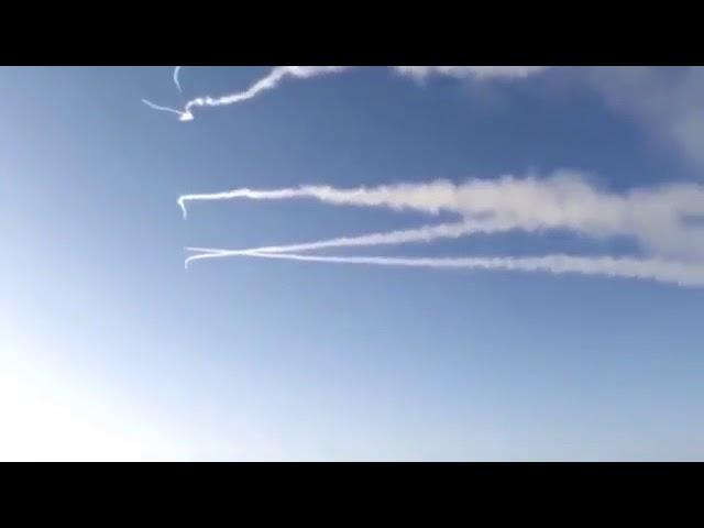 من زاوية واضحة فيديو جديد للحظة اعتراض صاروخ باليستي في الرياض اليوم كان يستهدف قصر ملك السعودية | زووم