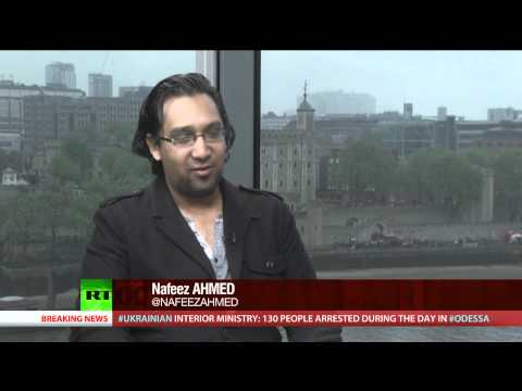 Keiser Report: China Kicks US Buck (E596)