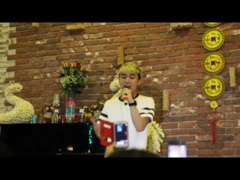 [Live] Nắng Ấm Xa Dần - Sơn Tùng M-TP (Vicky coffee BH)