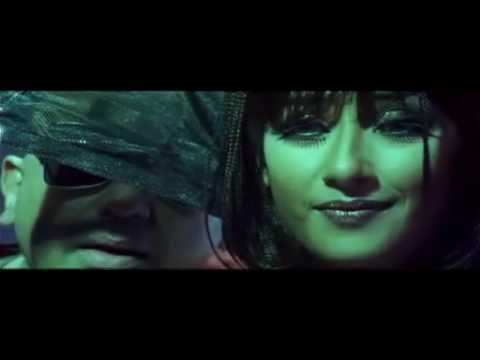 Manisha Koirala as &quot;SHARMILEE&quot; in Aalavandhan - Dance for Kaadavul Paadhi Music