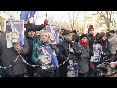 Ukraine: demonstrators denounce attack on opposition journalist
