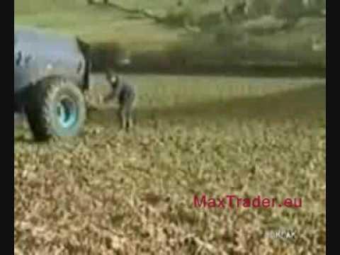 Śmieszny filmik - Nietypowy wypadek rolnika podczas pracy