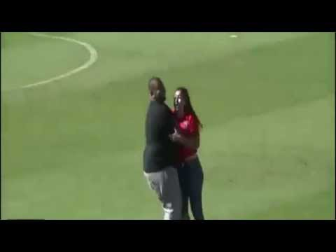 A girl goes to the hospital after jumping to Cristiano Ronaldo