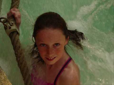 Hey janine ga met me onder de douche w youtube - Douche onder de dakrand ...