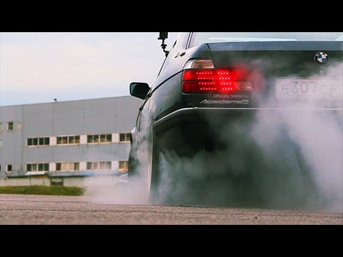 """AcademeG"" видеообзоры от Константина Заруцкого. Тест-драйв BMW 7 E32"