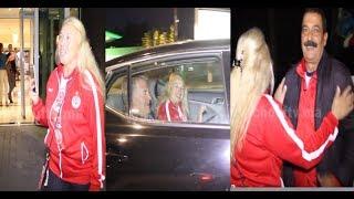 فيديو حصري..شوفو مرت طوشاك أشنو دارت لحظة مغادرة بعثة الوداد الفندق في اتجاه ملعب محمد الخامس |