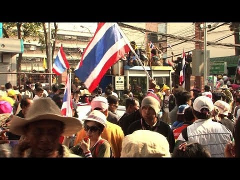 Thai protesters step up campaign to disrupt elections