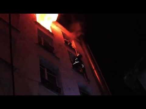 Scaling ladder rescue at Paris fire