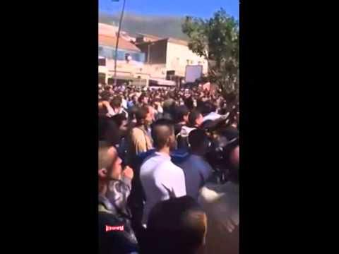 Béjaia Manif au siege de la Wilaya contre le 4e mandat de Bouteflika