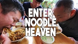 Spicy Chinese Noodles in Sichuan, China | Enter Noodle Heaven 2
