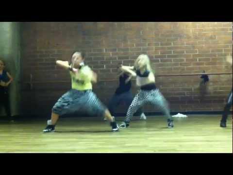 Jade Chynoweth, Jordyn Jones & Sierra Neudeck in Todd Flanagan's Dance Class