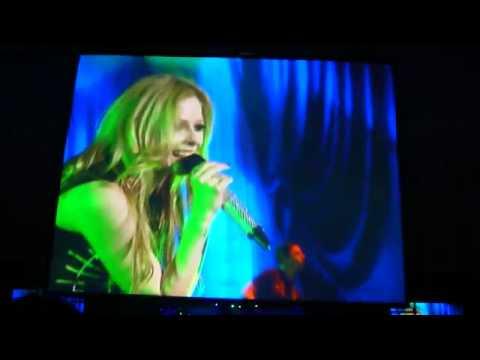 Sk8er Boi - Avril Lavigne live in Taipei