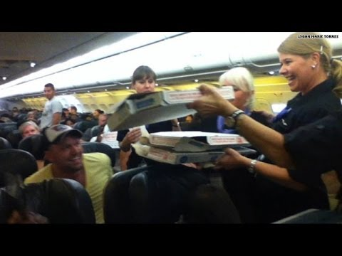 Pilot gets pizza delivered for stuck flight