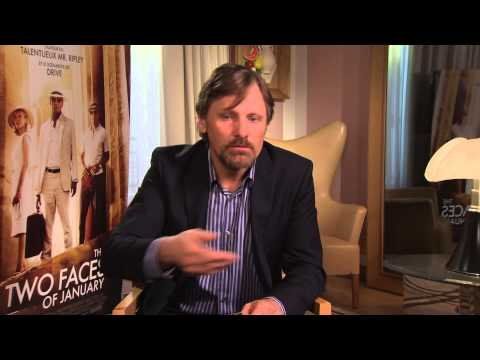 Question Bags - Viggo Mortensen