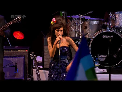 Amy Winehouse (Concert Complet en HD ) 2008 - YouTube.mp4