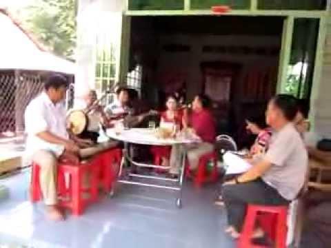 3  Hong Khanh Con bao bien