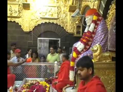 Actress Moushumi Chatterjee visits Shirdi