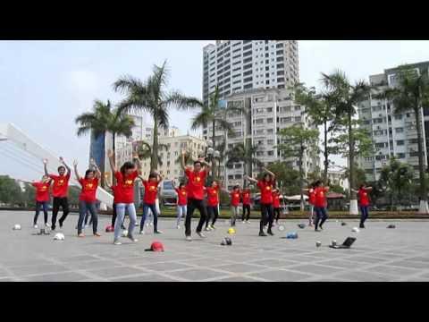 Flashmob Sắc Màu Cuộc Sống, Đại Học Thương Mại