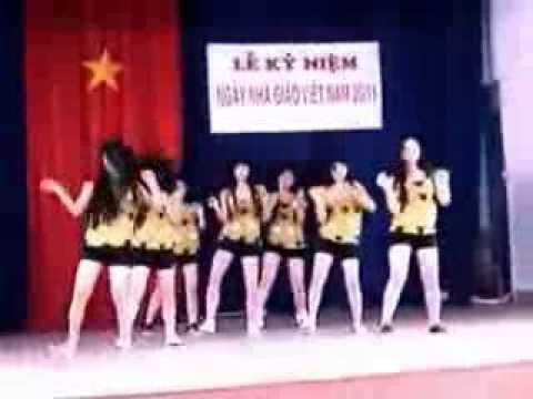 Clip nhảy của học sinh nữ lớp 10 trường THPT Lý Tự Trọng, thế này thì ku các thầy cứng hết ah
